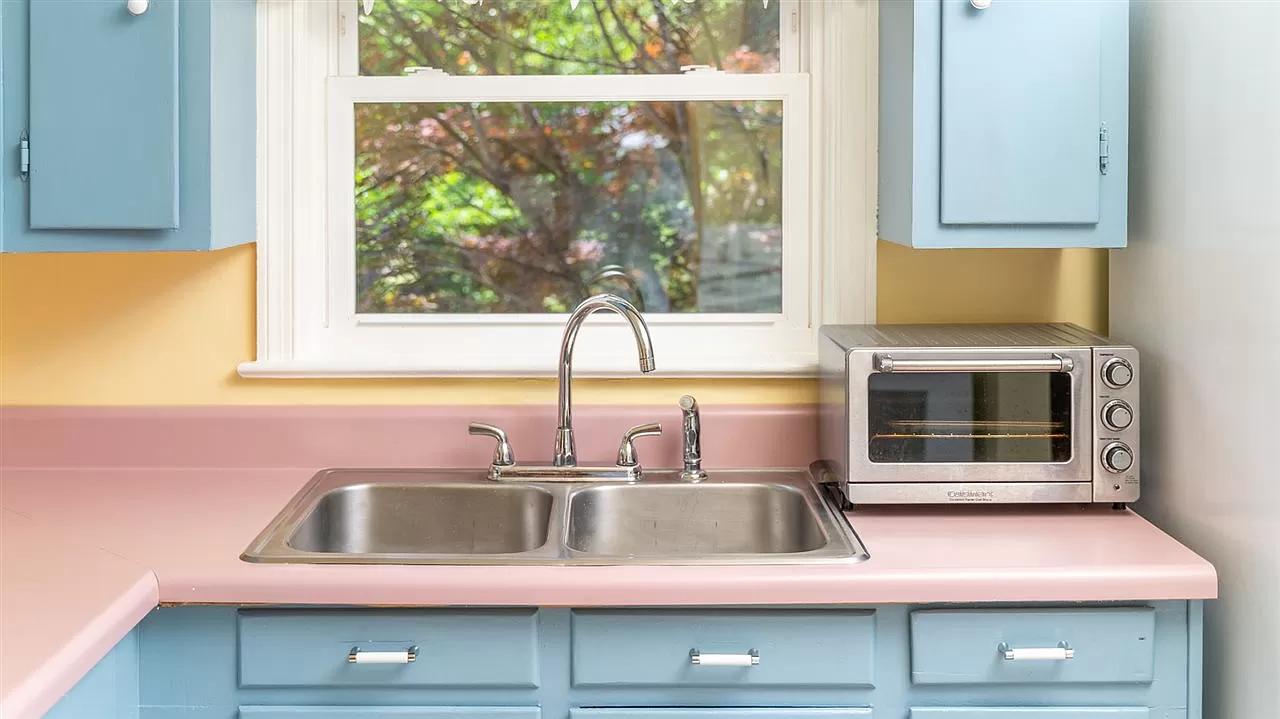 secret-garden-on-ridgeway-kitchen sink