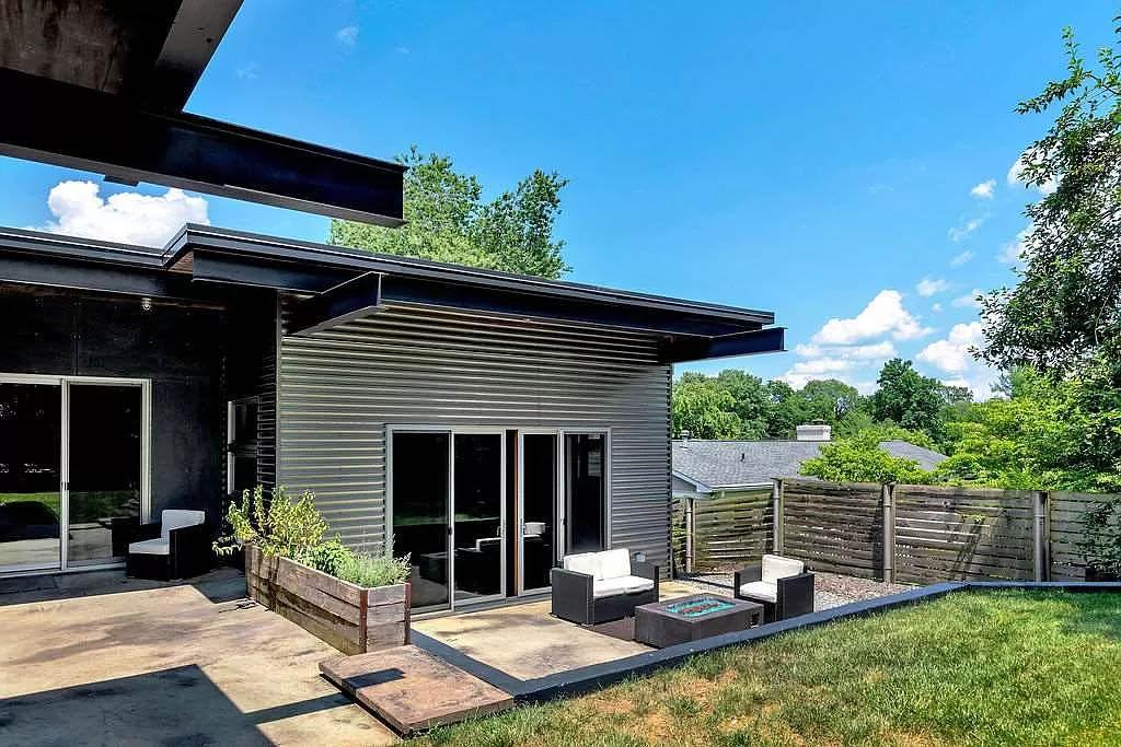 cotw modern coolness backyard