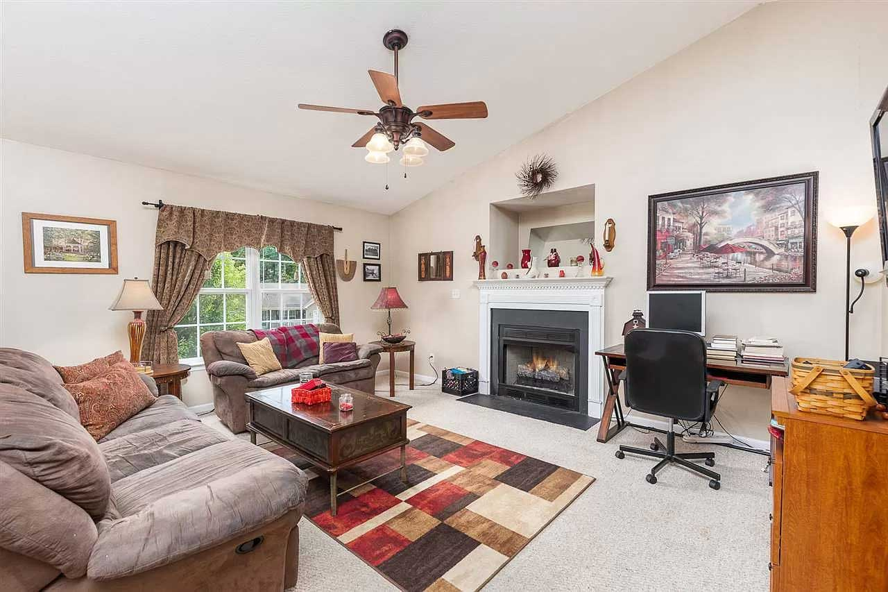 gorgeous in greenspring ritchie blvd living room
