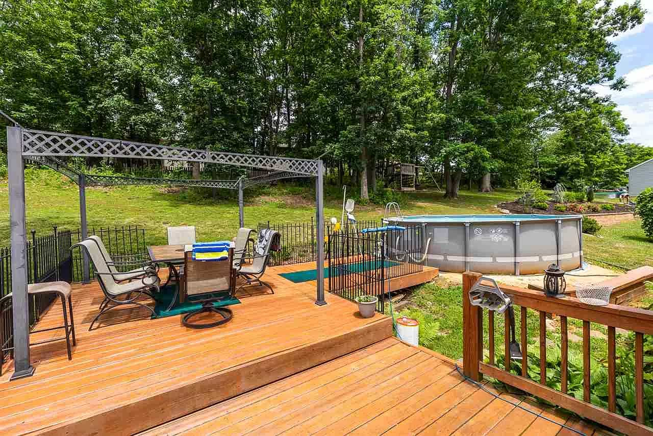 gorgeous in greenspring ritchie blvd deck and pool