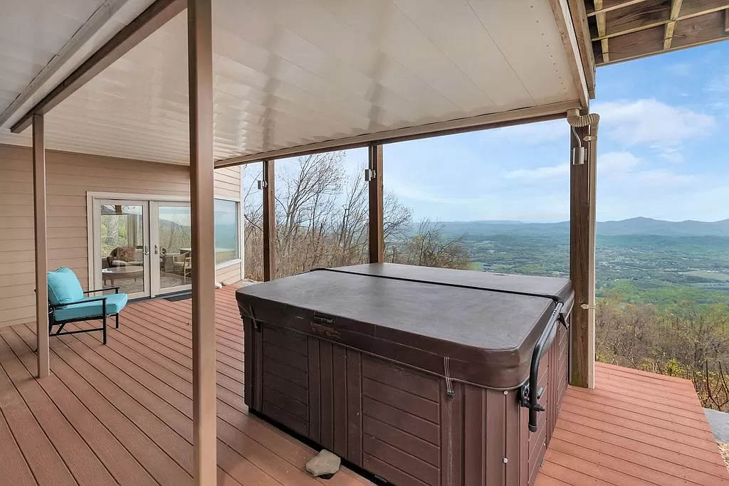 cotw mountain mama mia deck with hot tub and mountain view