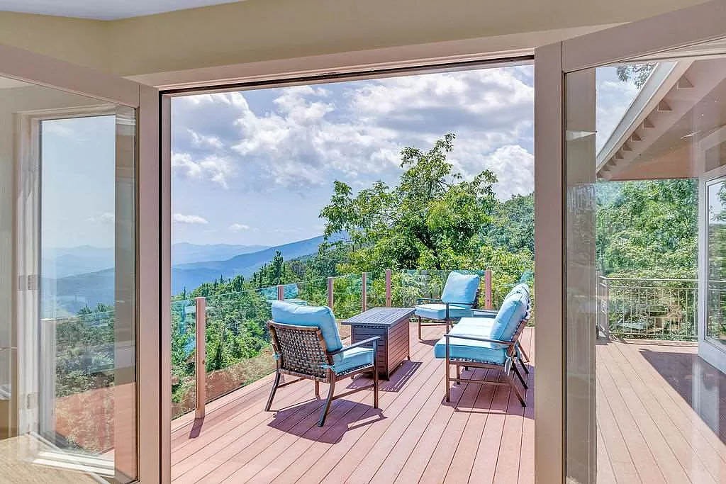 cotw mountain mama mia view of mountains from doors to rear deck