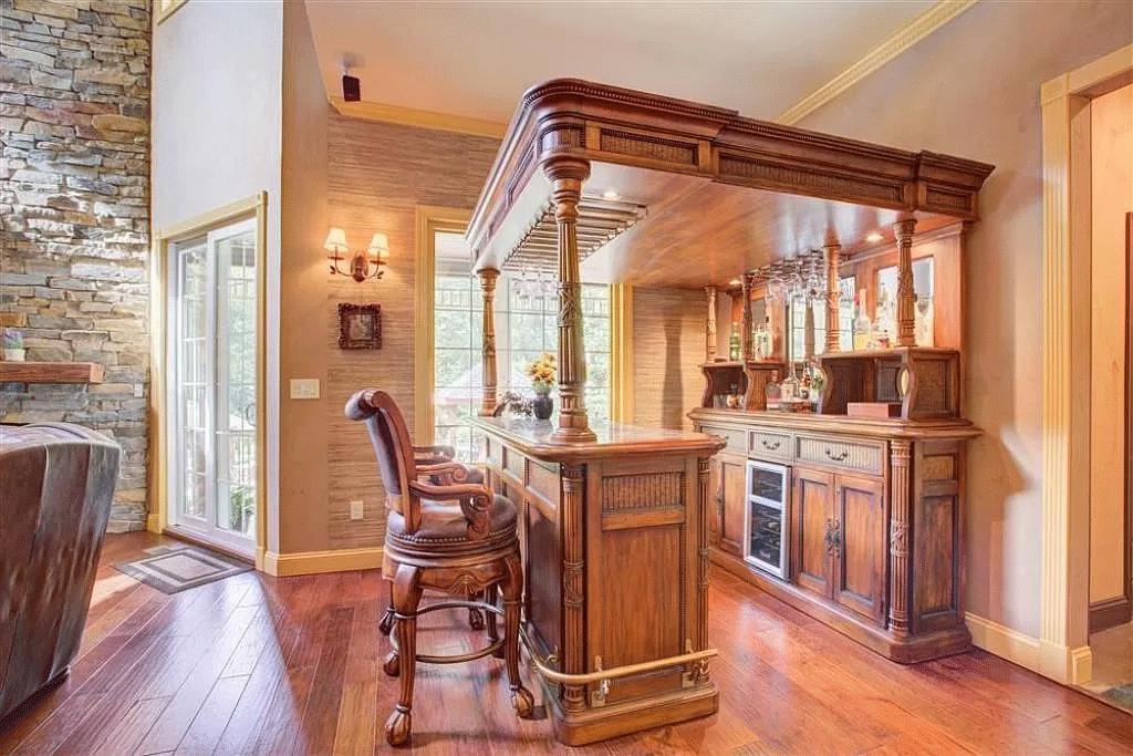 cotw victorian secret ornate-wood-full-bar