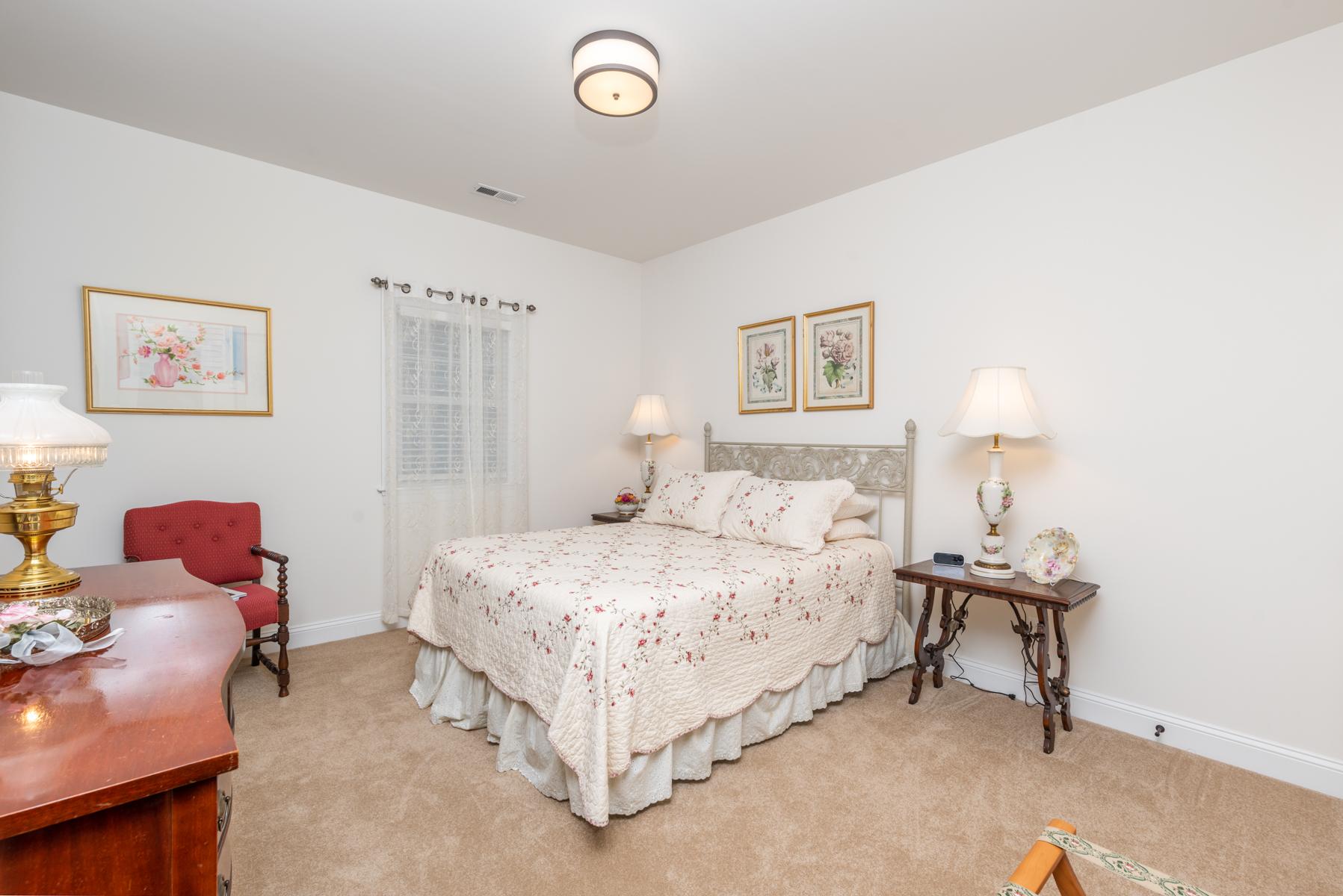 Riverwalk Xing third bedroom