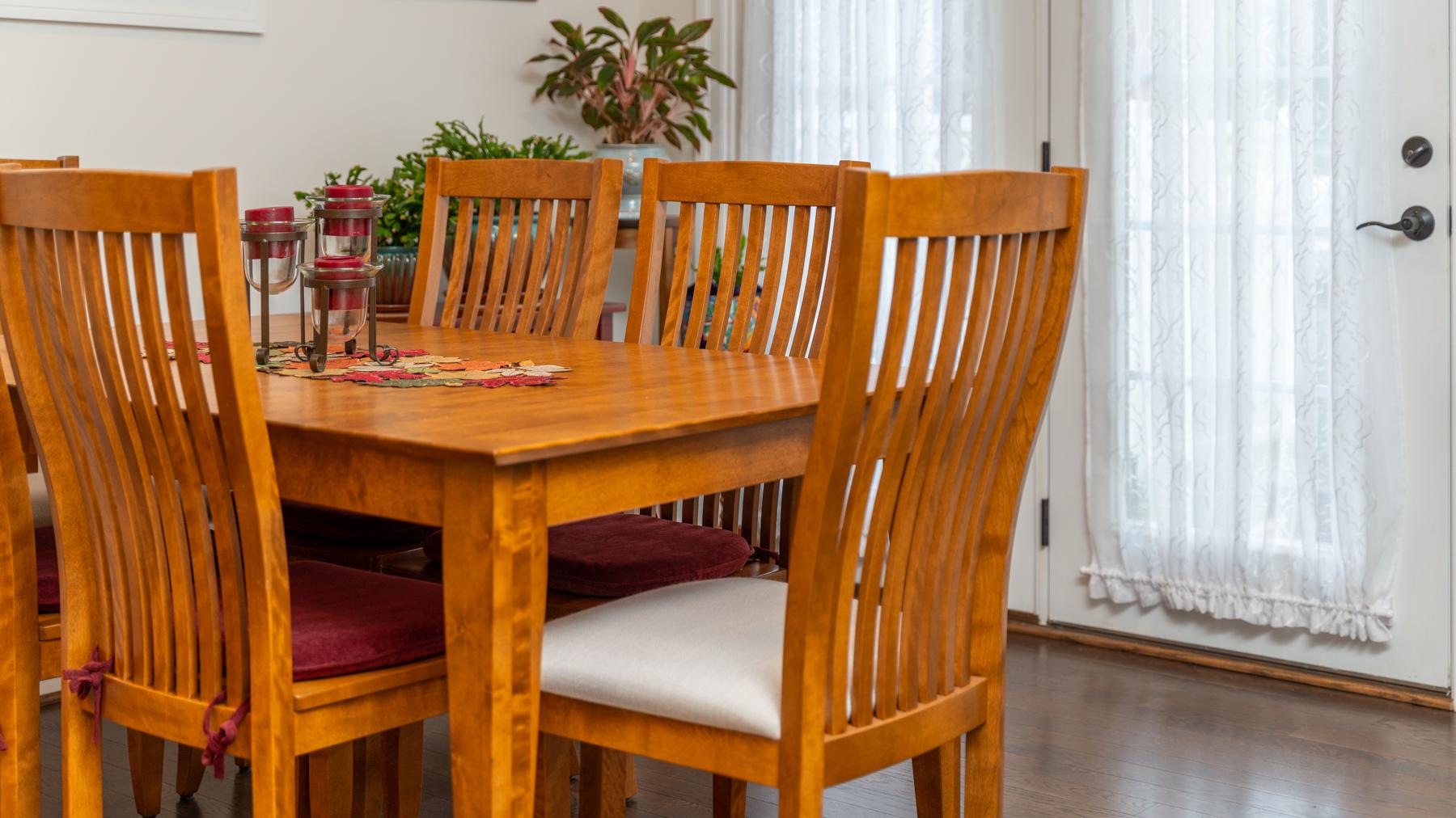 Riverwalk Xing Breakfast nook table