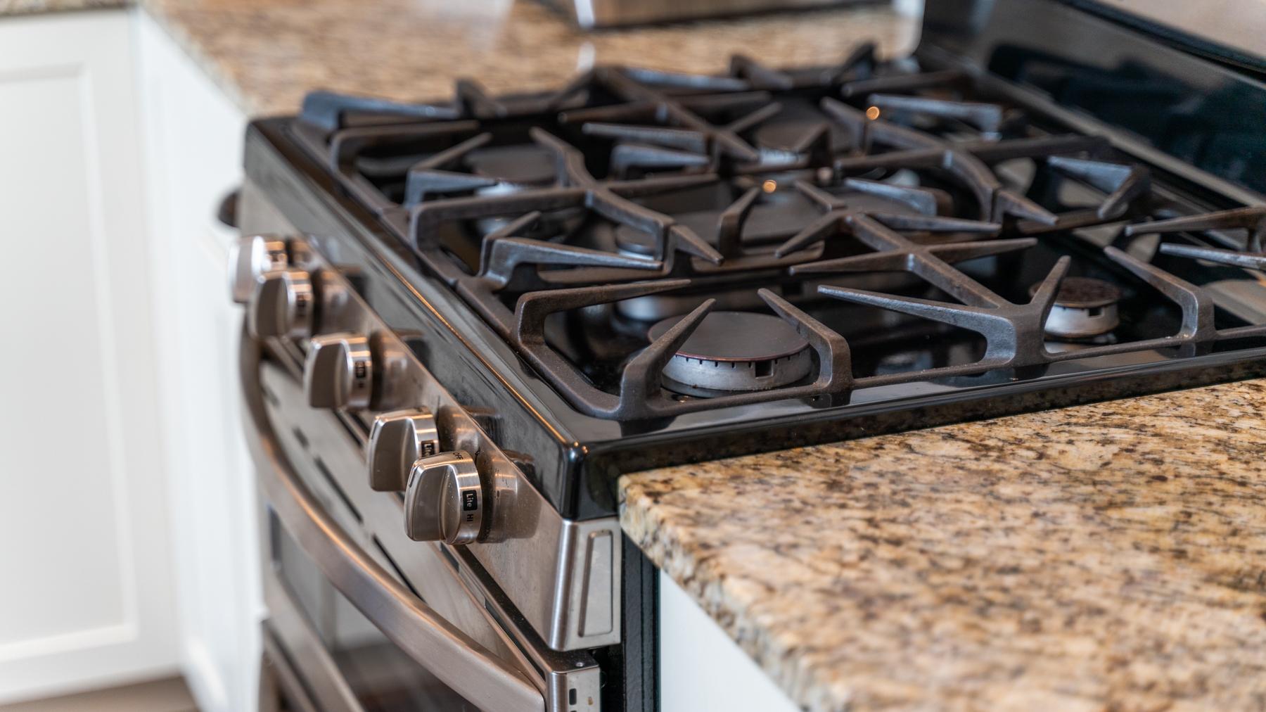 Riverwalk Xing Kitchen stove