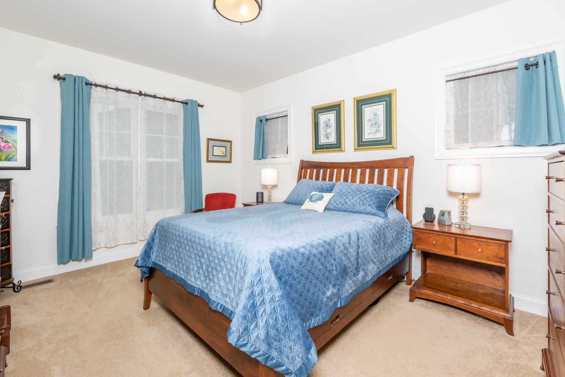 Riverwalk Xing Master Bedroom