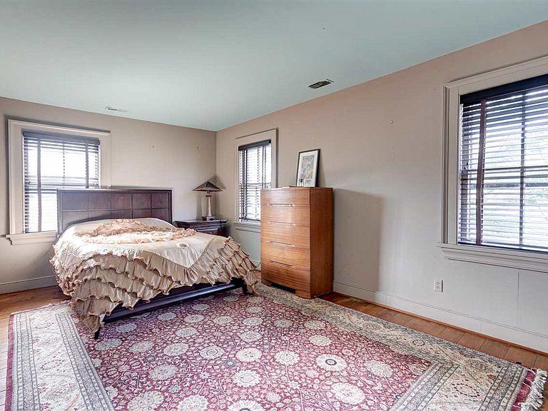 cotw modern antique bedroom