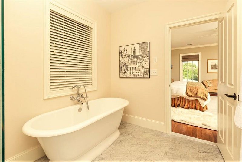 cotw top of the world master bath with soaking tub