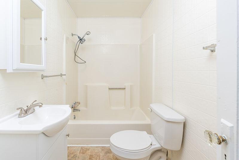 East Side Hwy bathroom