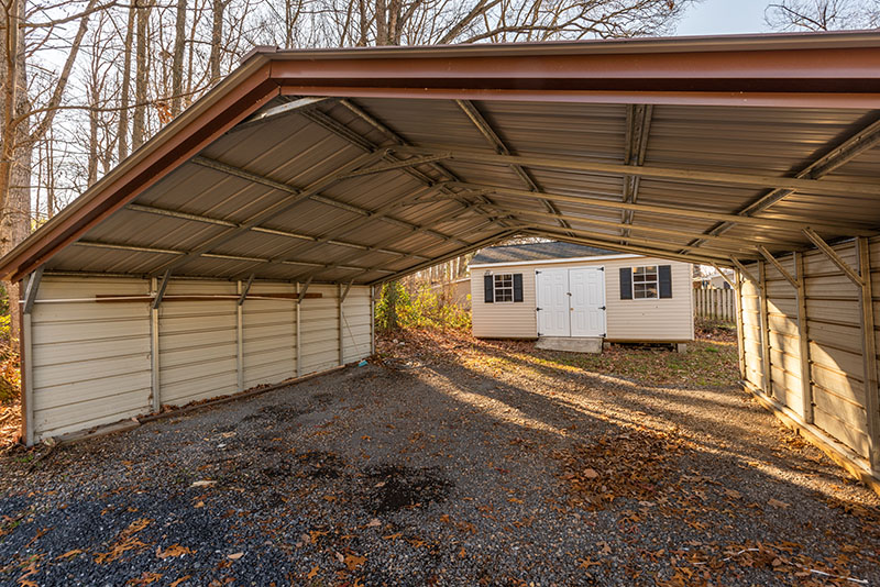 East Side Hwy carport and shed