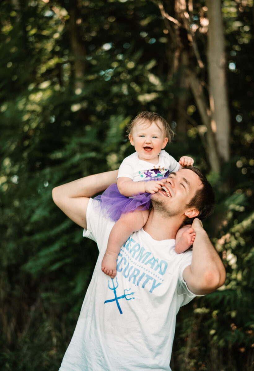 millpond photography infant on father's shoulders